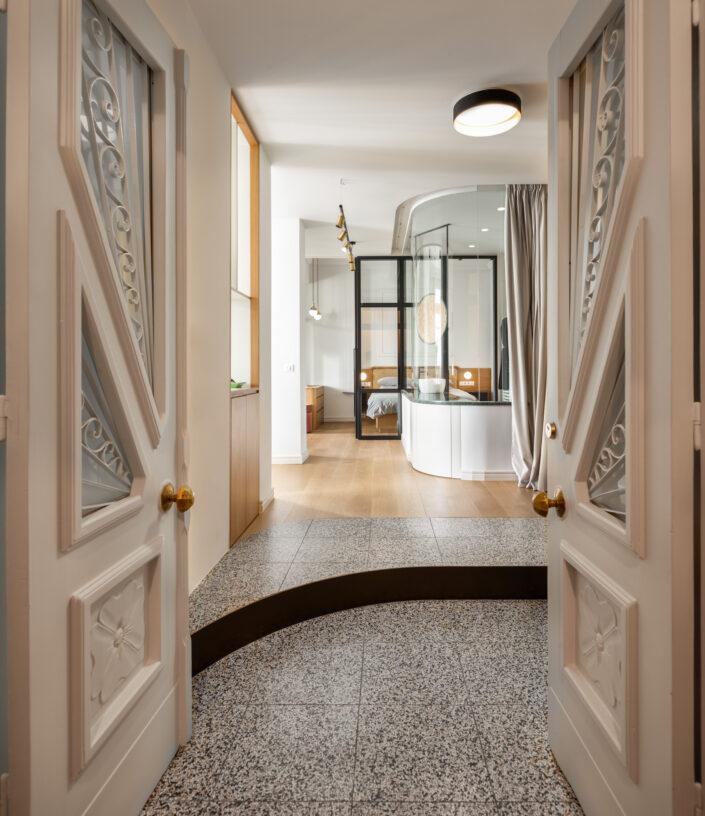 Transparent Apartment